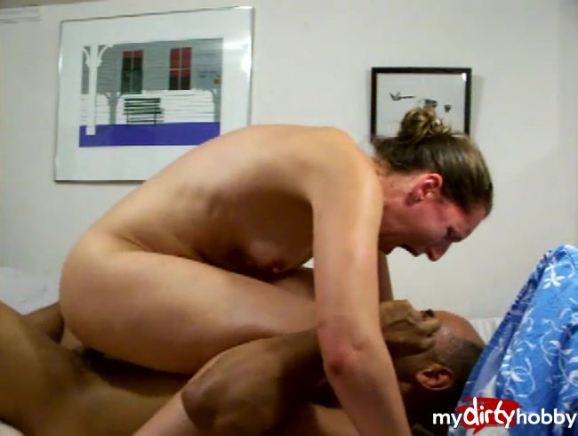 Anal ride from the side