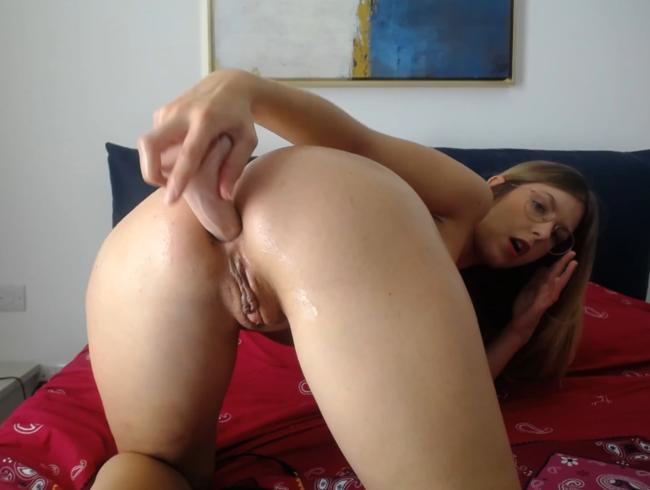 Masturbation und Penetration meines engen kleinen Arsches