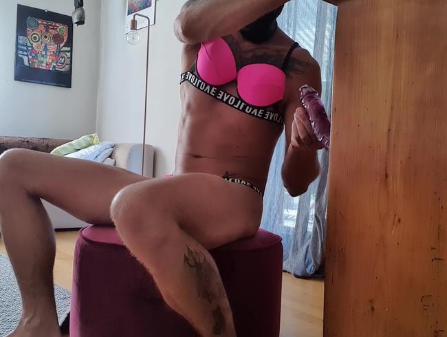 geiler dildofick im pinken bikini
