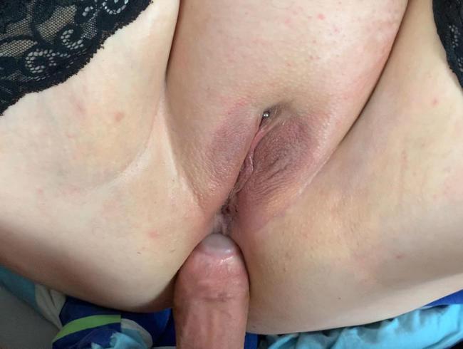 Anal gefickt und aufs Arschloch gespritzt