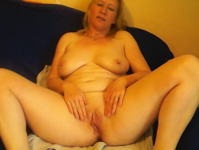 ich mag sehr ölspiele und massage , mit anal du auch??
