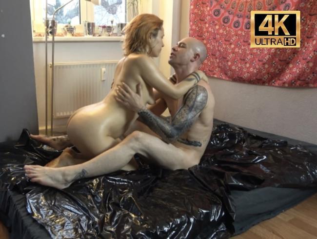 Analspiele, Massagen und rutschiger, gleitender Sex