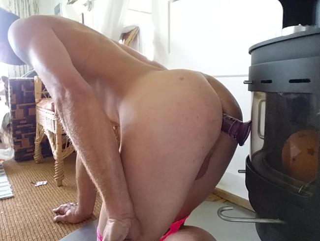 nylon bitch hart anal auf almhütte