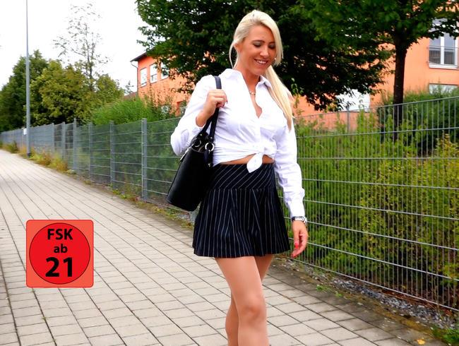 Versauter Sex in der Mittagspause | Perverse Arschfick Nummer mit Kai aus der *****abteilung!